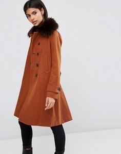 Пальто с добавлением шерсти с отделкой в стиле милитари и мехом ASOS - Оранжевый