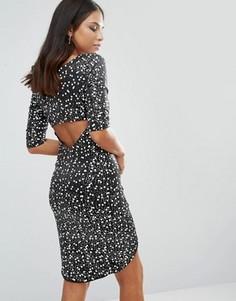 Черно-белое платье с отделкой пайетками и запахом спереди Jessica Wright - Серебряный