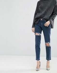 Выбеленные джинсы бойфренда с прорехами и потертыми краями ASOS KIMMI Shrunken - Серый