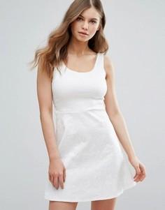 Короткое приталенное платье Madam Rage - Белый
