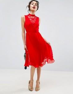 Платье миди без рукавов с кружевной вставкой ASOS - Красный
