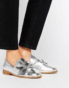 Туфли на плоской подошве с декоративными узелками ASOS MAXIMUM - Серебряный