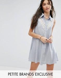 Платье-рубашка без рукавов с кружевной вставкой для миниатюрных Glamorous Petite - Белый