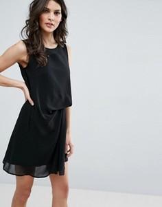 Платье с отделкой на спине Jovonna - Черный