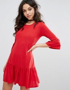 Свободное платье с оборками Boohoo - Красный