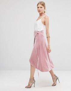Бархатная юбка миди с запахом ASOS - Розовый