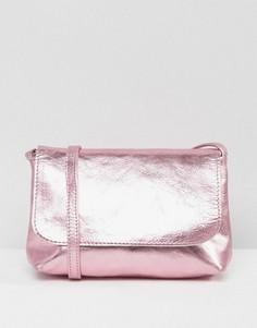 Мягкая кожаная сумка через плечо цвета металлик ASOS - Розовый