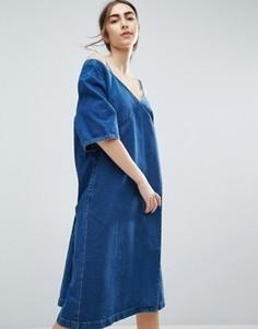 Джинсовое платье с открытыми плечами ASOS WHITE - Синий