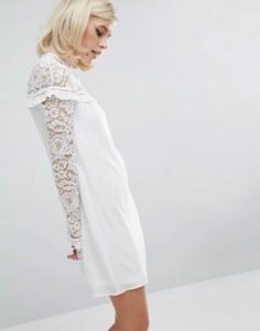 Цельнокройное платье с кружевными вставками и оборками Fashion Union - Белый