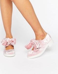 Туфли на плоской подошве с бантом ASOS MOUSSE - Розовый