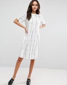 Платье миди в клетку с присборенной юбкой ASOS - Мульти