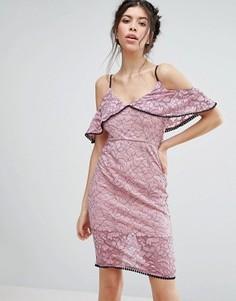Кружевное платье миди с открытыми плечами Love Triangle - Розовый