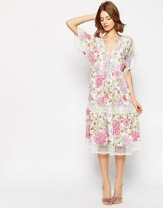 Платье миди с цветочным принтом и вставкой кроше ASOS PREMIUM - Мульти