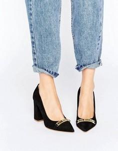 Туфли-лодочки с острым носком на высоком каблуке Love Moschino - Черный