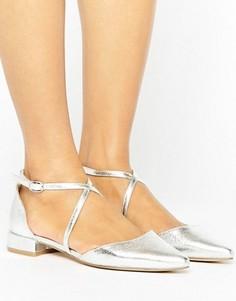 Туфли на плоской подошве с заостренным носком и ремешками Glamorous - Серебряный