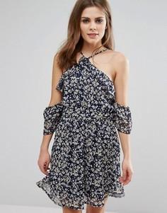 Платье с цветочным принтом и оборкой Influence - Черный