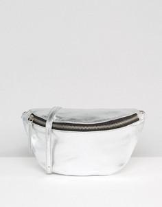 Кожаная классическая сумка-пояс с оттенком металлик ASOS - Серебряный