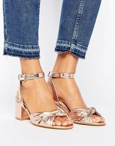Туфли металлик на блочном каблуке New Look - Золотой