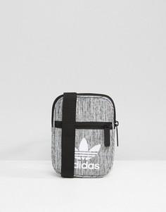 Серая сумка для авиаперелетов adidas Originals BK7109 - Серый