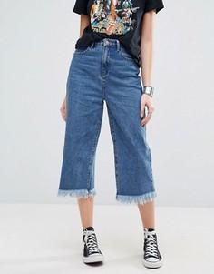 Укороченные расклешенные джинсы с необработанными краями Glamorous - Синий