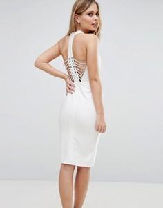 Платье-футляр со шнуровкой на спине Rare London - Кремовый