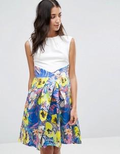 Платье с контрастной плиссированной юбкой и цветочным принтом Closet - Мульти