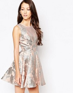 Приталенное жаккардовое платье Ashley Roberts for Key Collections Angelic - Розовый