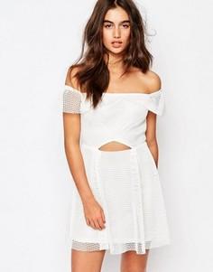 Сетчатое платье для выпускного в стиле бардо Missguided - Белый