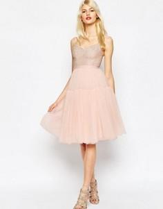 Пышное платье из тюля с декоративной отделкой Needle & Thread - Розовый