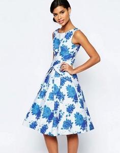 Платье миди для выпускного с синим цветочным принтом ASOS - Синий