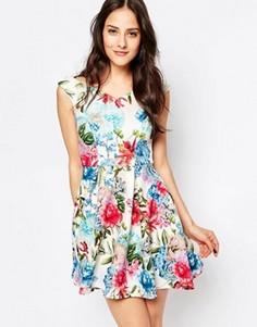 Короткое приталенное платье с открытыми плечами Jessica Wright Amelia - Мульти