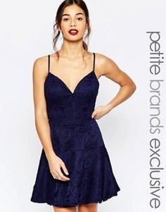 Кружевное платье для выпускного на бретельках John Zack Petite - Темно-синий