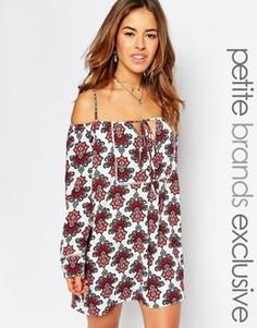 Платье с открытыми плечами и кружевной отделкой Glamorous Petite - Мульти