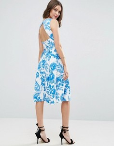 Платье миди с голубым цветочным принтом и вырезом на спине ASOS - Мульти