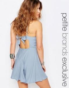 Короткое приталенное платье с завязкой на спине Glamorous Petite - Синий
