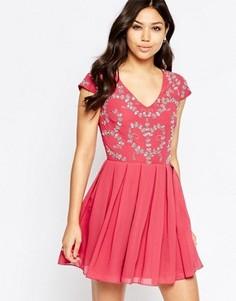Короткое приталенное платье с отделкой Maya - Розовый