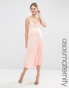 Приталенное платье миди с ремешками сзади и запахом спереди ASOS Maternity - Розовый