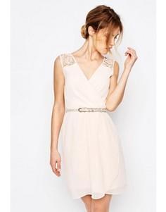 Платье с ремнем и ажурной отделкой Uttam Boutique - Розовый
