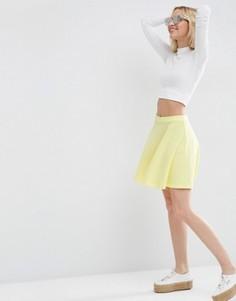 Короткая расклешенная юбка из фактурной ткани ASOS - Желтый
