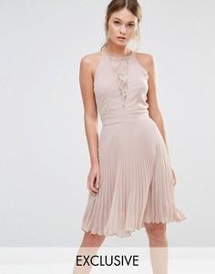 Плиссированное платье мини с кружевной вставкой Elise Ryan - Коричневый