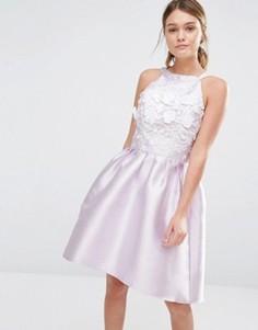 Атласное платье для выпускного с асимметричной кромкой и 3D вышивкой Chi Chi London - Фиолетовый