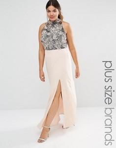Платье макси с высоки воротом, разрезом и отделкой Lovedrobe Luxe - Розовый