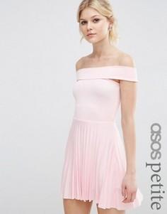 Плиссированное платье миди с открытыми плечами ASOS PETITE - Розовый
