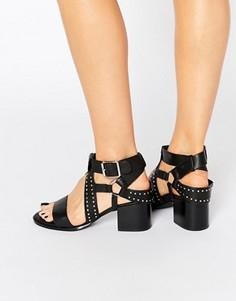 Черные кожаные сандалии с заклепками Senso Mindy - Черный