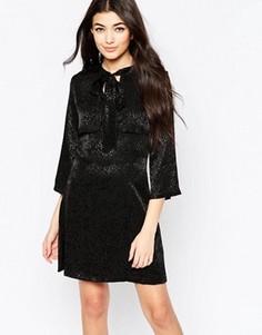 Платье мини с бантом и однотонным леопардовым принтом Liquorish - Черный