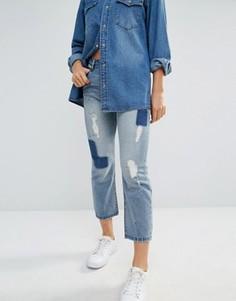 Укороченные джинсы бойфренда с нашивками Bellfield - Синий Only