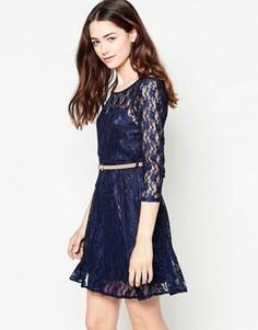 Кружевное платье с длинными рукавами и ремнем Mela Loves London - Темно-синий