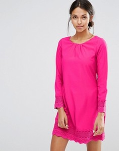 Цельнокройное платье с длинными рукавами и ажурной отделкой Uttam Boutique - Розовый