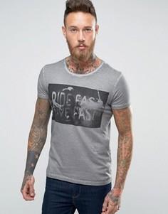 Серая окрашенная после пошива футболка Wrangler - Серый