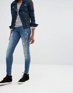 Зауженные джинсы с заниженной талией и принтом брызг краски Only - Синий